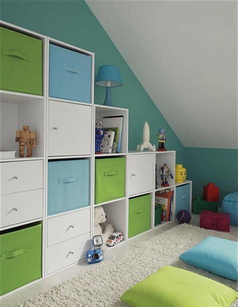 chambre enfant mansard馥 pratique pour les jouets deco rosendael