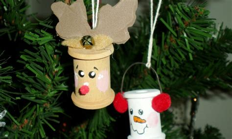 easy home made christmas decorations 30 easy homemade christmas ornament ideas for you
