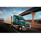Volvo VT880 Truck Green Freeway