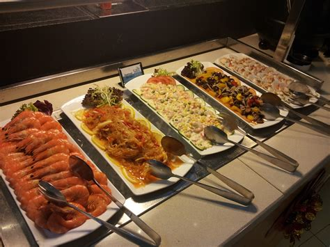 Lunch Buffet At Saltwater Cafe Changi Village Hotel Buffet Lunch