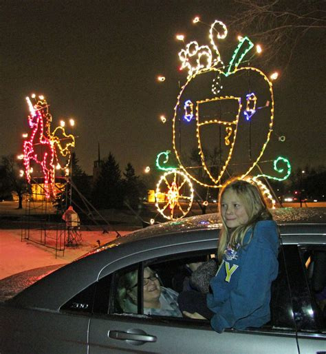 phalen light display road trip lights in the park attractions swnewsmedia