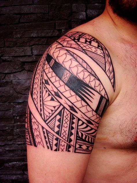 tattoo on right shoulder 57 fantastic maori shoulder tattoos