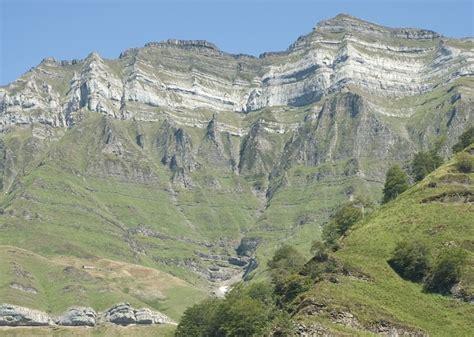 cadenas montañosas de francia wikipedia castro valnera wikipedia la enciclopedia libre