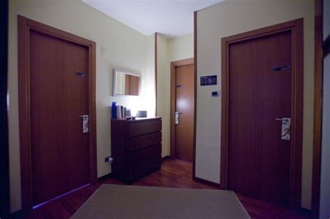 age to rent a hotel room rooms rent vesuvio bed breakfast updated 2017 b b reviews price comparison naples italy