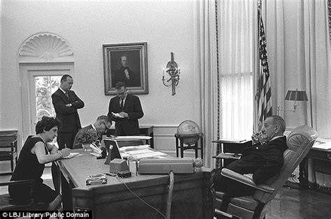 oval office desks that have served the presidents daily oval office desks that have served the presidents daily