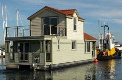 house boats for sell new houseboats the advantages and benefits of buying a new house boat