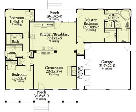 Split Bedroom Ranch Home 62129v 1st Floor Master Suite Ranch House Plans With Split Bedrooms