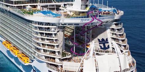 world s largest cruise ship 31 facebook worlds largest cruise ship punchaos com