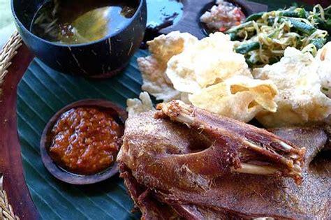 Tempat Makan Food Tray ubud bali arts rice terraces spa indonesia travel guide