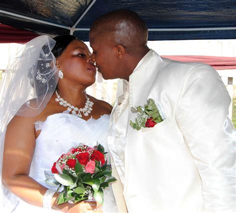 mzansi perfet wedding latest pictures lihle mbanjwa wedding newhairstylesformen2014 com