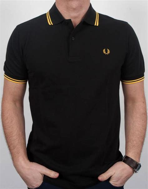 Polo Country Original Classic Gold fred perry polo shirt in black with gold tipped on the hunt