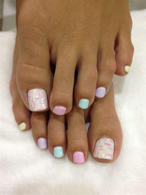 17 best ideas about painting toenails on