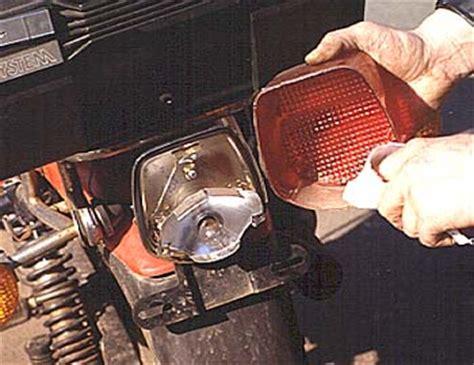 Motorrad Batterie Mit Destilliertem Wasser Auff Llen by Motorrad Technik Quot Fruehjahrscheck Quot Ein Bericht Winni