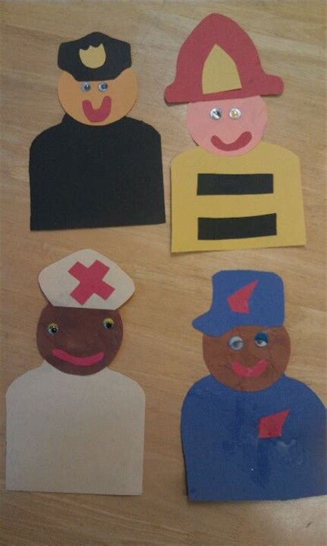 volunteer craft projects 25 best ideas about community helpers crafts on