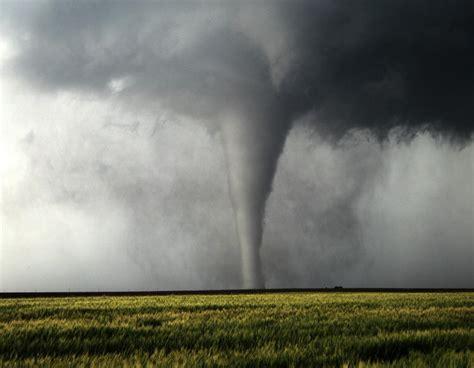 storm chasing  tornado alley