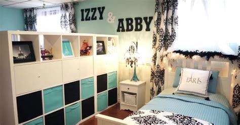 wall   names    bed  wait til mom