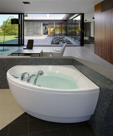 Oversized Jetted Bathtubs by Bathtubs Idea Amazing Oversized Tubs Oversized Tubs With