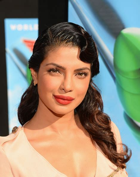 priyanka chopra hairstyle in krrish movie priyanka chopra hairstyles metroholica she knows