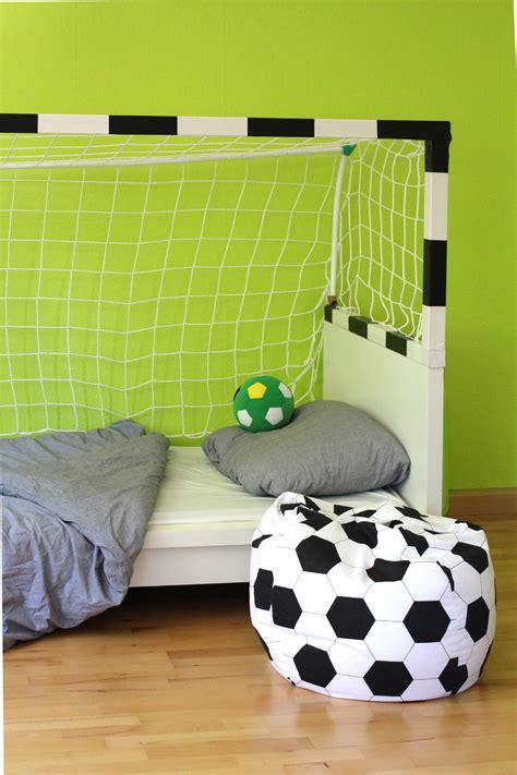 Kinderzimmer Junge Fussball by Diy Fussball Bett F 252 R Kinder Leonie L 246 Wenherz