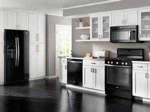whirlpool at lowe s kitchen collections kitchen collections 2015