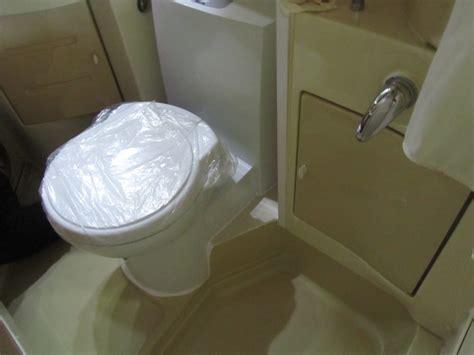 sostituire cassetta wc sostituzione wc nautico con wc a cassetta autocaravan
