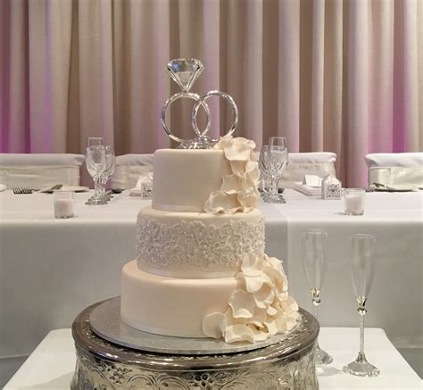 Wedding Cake Cake by Top 10 Wedding Cake Suppliers In Melbourne 2018 Brighton
