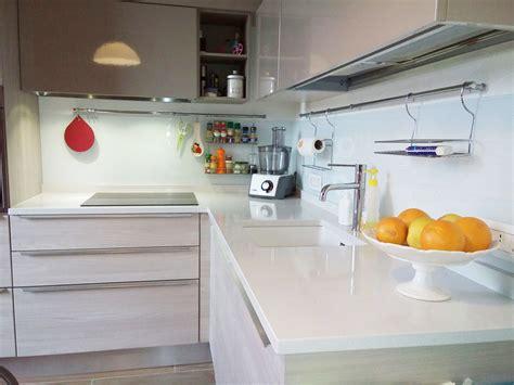 rivestimento cucina vetro cucina rivestimento murale esseline il vetro per l