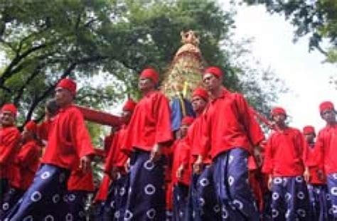 upacara grebeg maulud  yogyakarta yogya gudegnet
