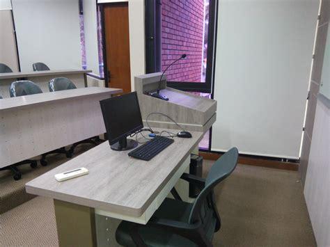 Meja Dosen Peresmian Kelas Sidharta Istama Departemen Akuntansi