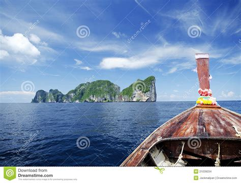 boat view images tropical island view from boat stock photo image 21039034