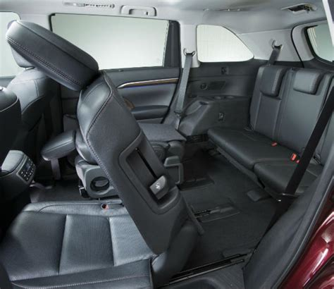 toyota highlander captains chairs vs bench luxury without the label new 2014 toyota highlander goes