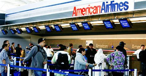 american airlines baggage american airlines baggage charge an insult to passengers ny daily news