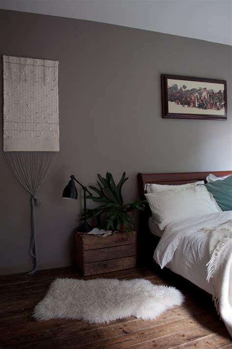 schlafzimmer walnuss a moody mid century modernist maisonette design sponge