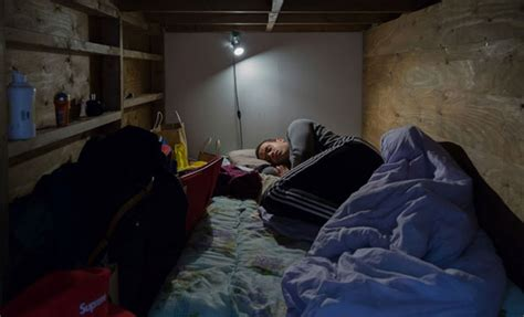 can you get a hotel room at 18 tiny rooms in japan where live will make you claustrophobic