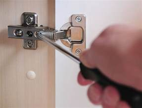 how to easily adjust hinges on a cabinet