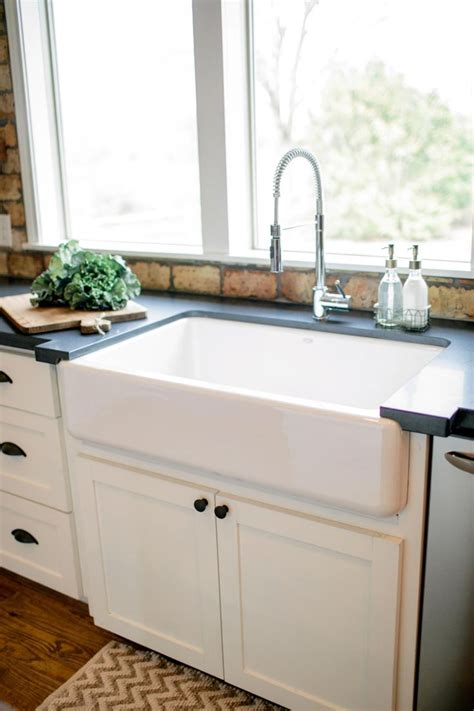 Farm Style Kitchen Sinks Best 20 Country Sink Ideas On Farm Sink Kitchen Farm Kitchen Interior And Farm