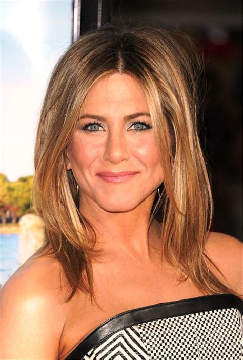 medium haircuts aniston pictures of aniston medium hairstyles
