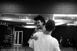 apple martin blue ivy beyonce posts snaps of blue ivy and chris martin before