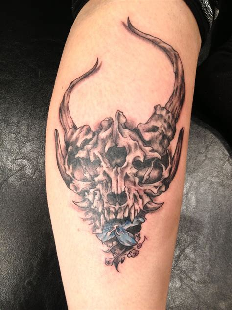 demon hunter tattoo added this carnation to an exsisting another