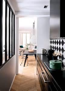 la cuisine ouverte ose le noir pour se d 233 co