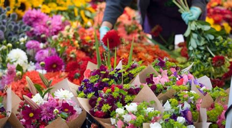 order flowers flowerwise florist kingswood order flowers or 01737