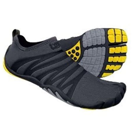 trail running shoes on concrete zemgear terra split toe trail running minimalist