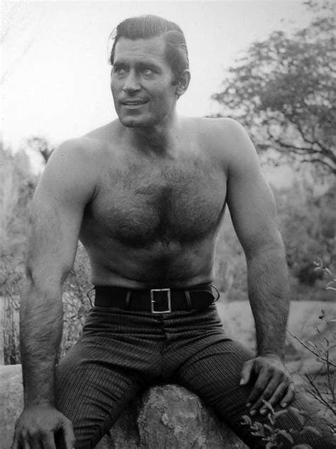 actor clint walker still alive old actor clint walker was into lifting weights