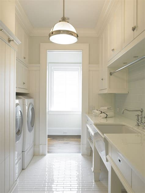 Narrow Utility Room by 25 Best Ideas About Narrow Laundry Rooms On