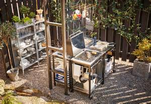 make an awesome outdoor kitchen