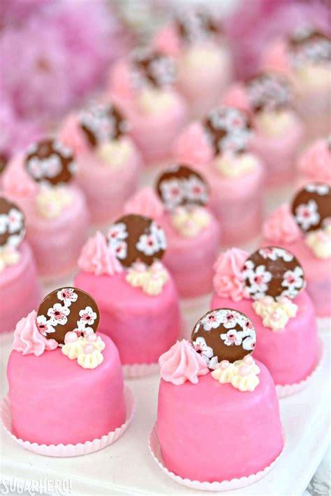 Cake Decorating by Cherry Blossom Petit Fours Sugarhero