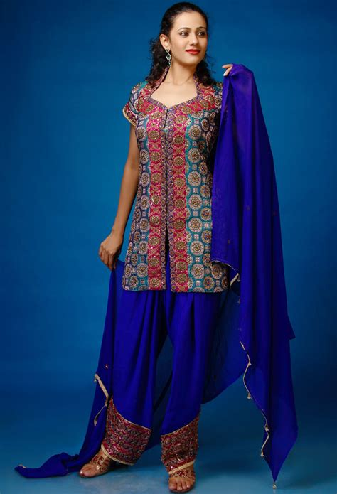 new fashion salwar kameez collection designs in