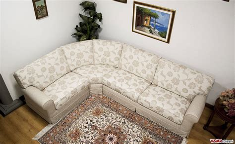 divani ad angolo classici divano classico in tessuto floreale ad angolo bingo