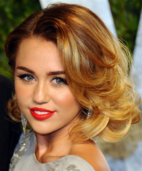 hairstyle name miley cyrus hairstyles pictures miley cyrus medium wavy formal hairstyle medium blonde