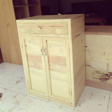 Lemari Kayu Jati Bekas tiga sel furnitur berbahan kayu bekas jati belanda